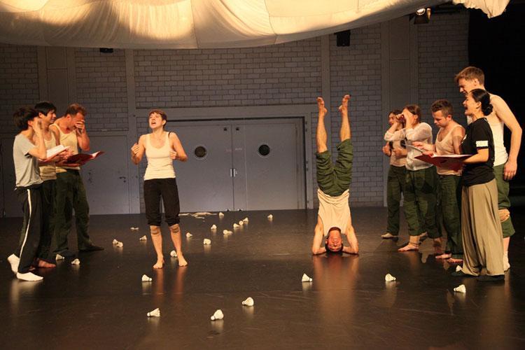 Paper-Tiger-munich-rehearsal-13